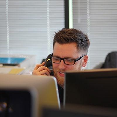 Дейност на телефонни центрове за услуги