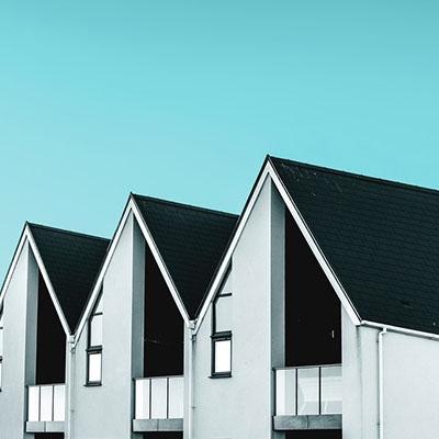 Операции и недвижими имоти